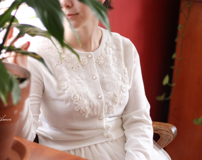 US 8 -Ivory White lace Flower Bridal Wedding Sweater. Can be used to accessorize any clothing for any occasion
