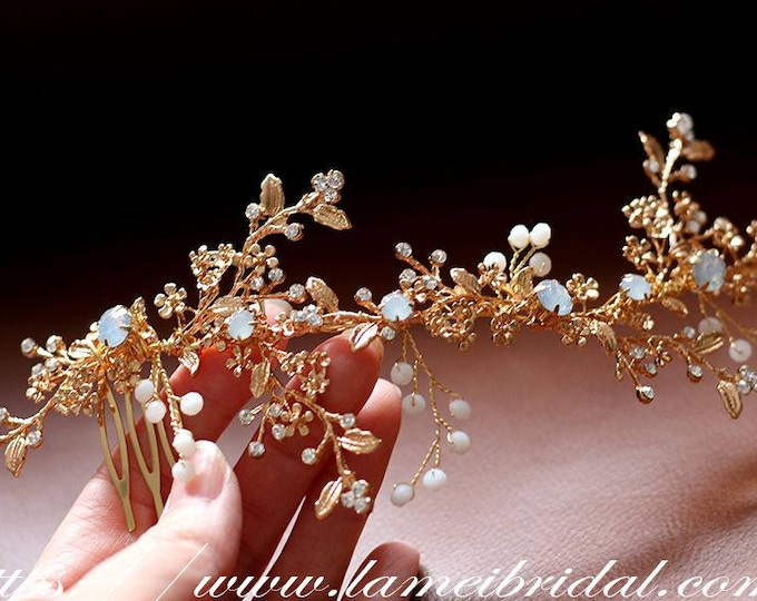 Pretty in golden Comb - Bridal Flower leaf Hair Accessory - Bride Bridesmaid Flowergirl - Wedding Hair Comb Bridal Hair Comb Bridal Haircomb