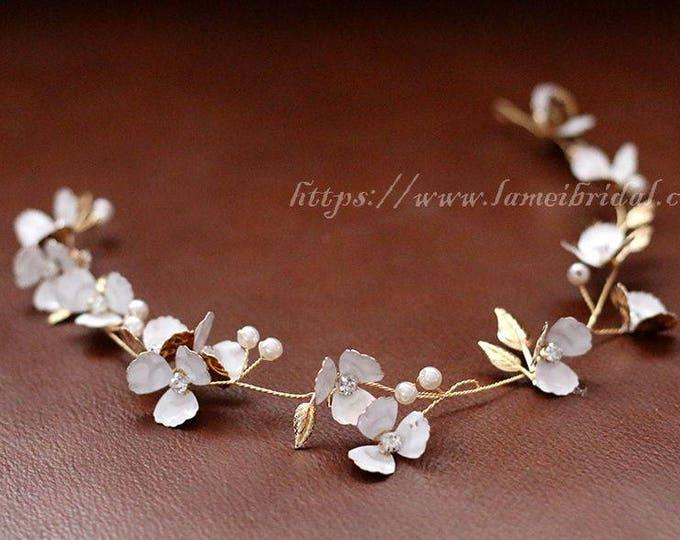 Vintage Style Floral Flower Tiara, Ivory white and gold Flower hair vine, Bridal Hair Accessories, Flower crown ,woodland wedding crown