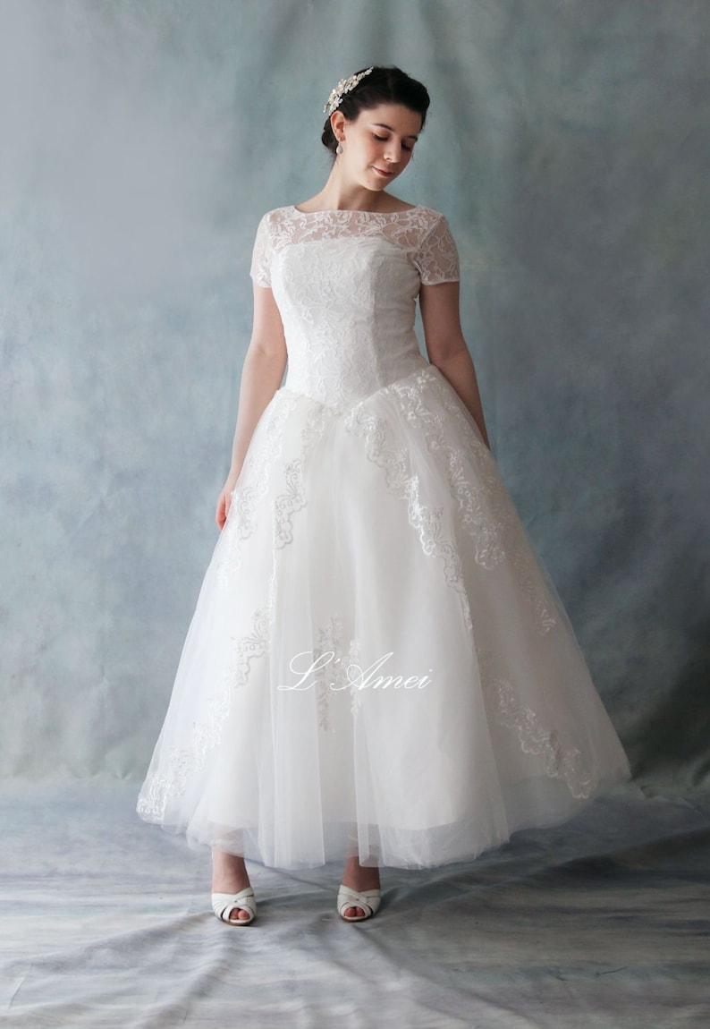 Retro 50 s Vintage Style Tea Length Lace Wedding Dress  bad52be05