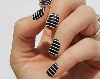 Black & White Stripe Nail Wraps