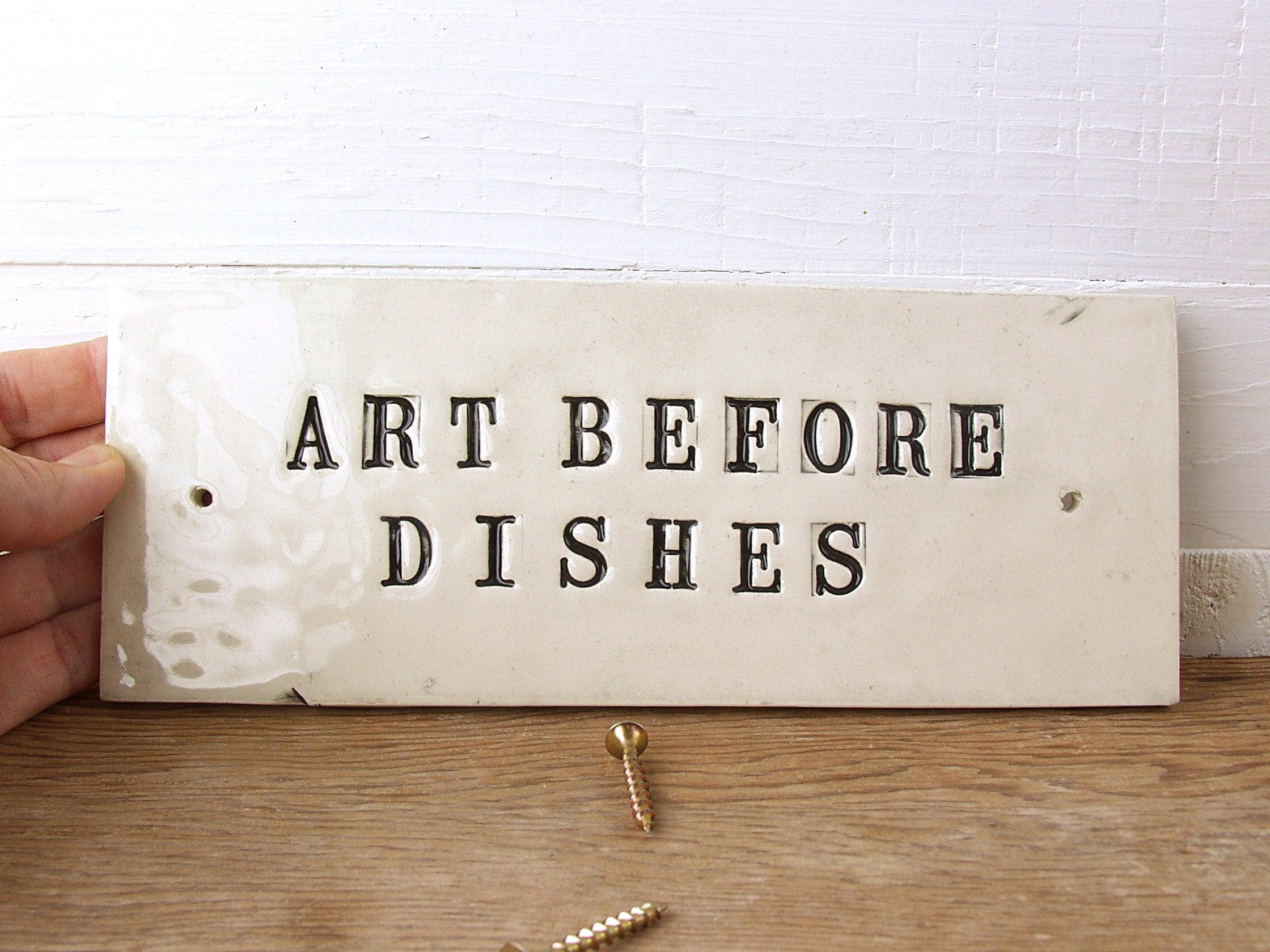 Kunst vor Gerichten. Hilfreiche Keramik Erinnerung