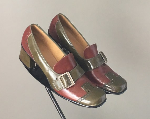 bdbebca4d28 ... Super Cute Vtg 60s Mod Spectator Buckle Hardware Coolest Architectural Chunky  Heel Loafer Shoe Mint Condition