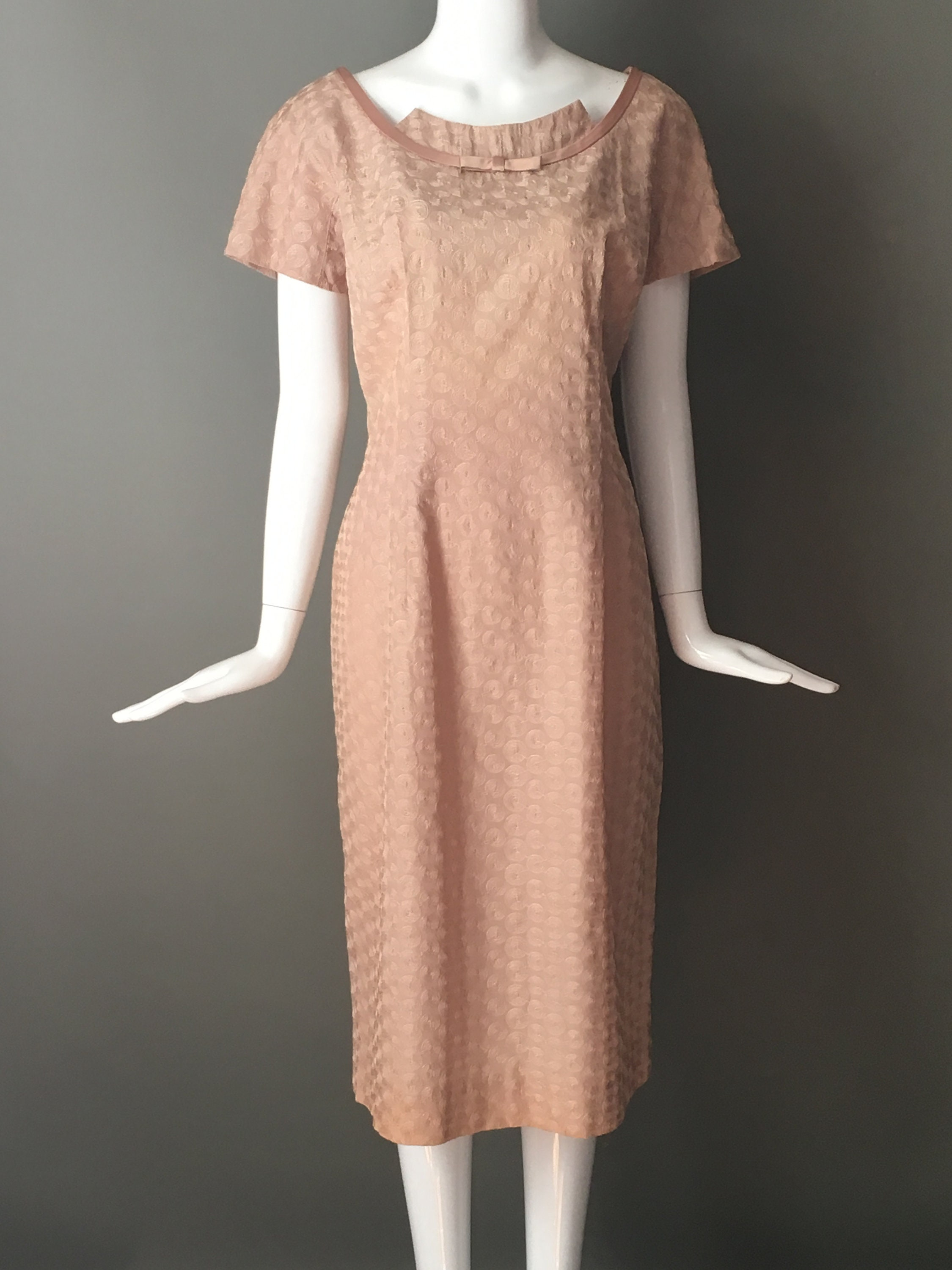 1950s Handbags, Purses, and Evening Bag Styles Gorg Vtg 50S Cocoa Taupe Wiggle Marilyn Textured Swirl Satin Trim Metal Zip Dress 18 Rare L Xl Sizing Mint Condition $45.95 AT vintagedancer.com