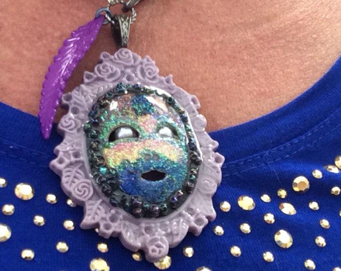 Necklace Mardi Gras mask, purple