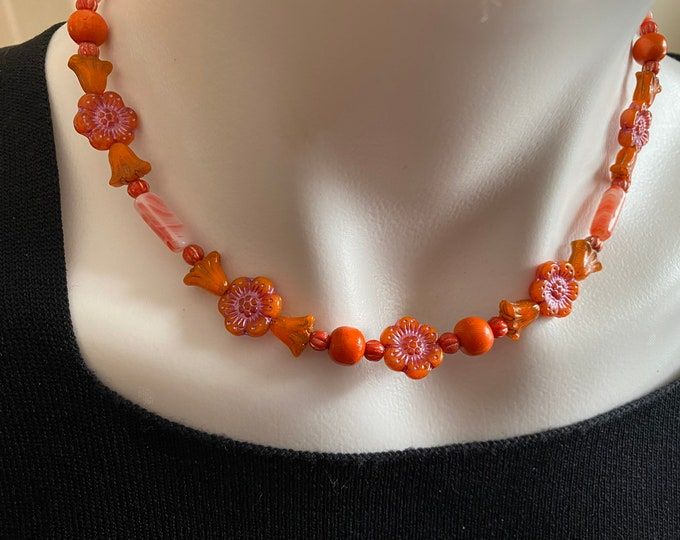 Flower Bead Choker Necklace Orange