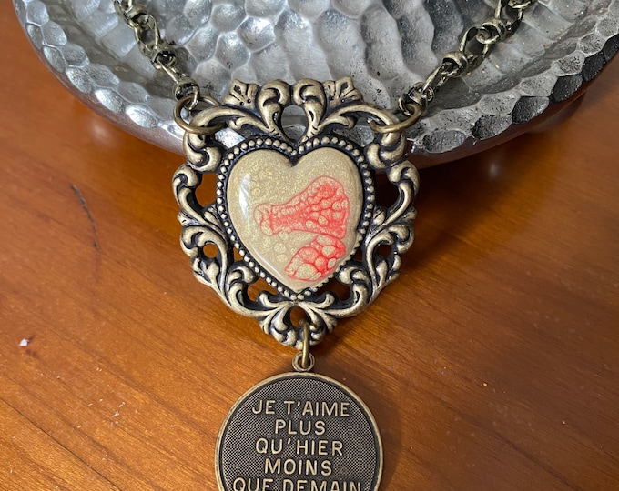 Heart Pendant Necklace Victorian Style Contemporary Twist