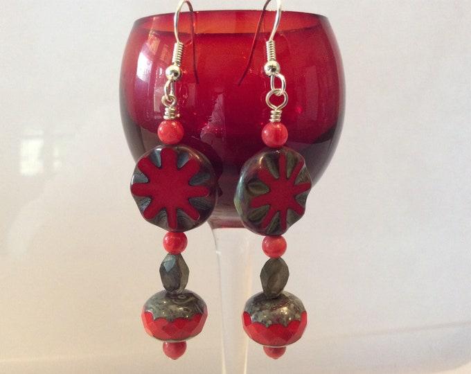 Earrings Flower Power red Czech beads