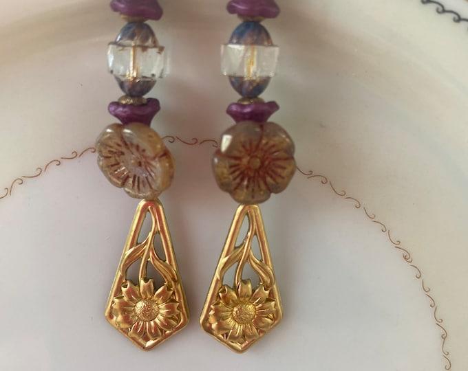 Dangle filigree earrings lavender