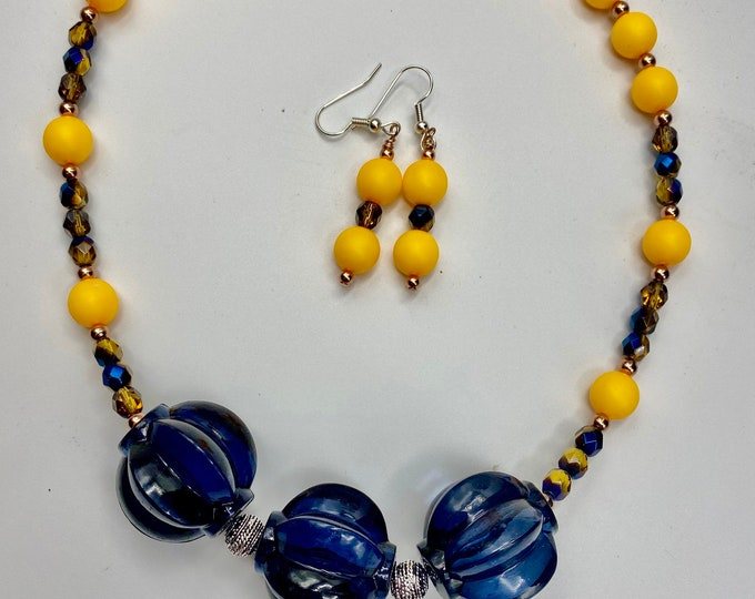 Necklace and Earring Set Retro Vintage Style