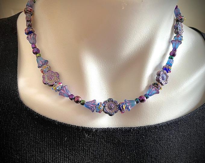 Flower Bead Choker Necklace Lavender