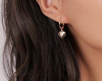 151a75c4d298e Dangle heart earring | Etsy
