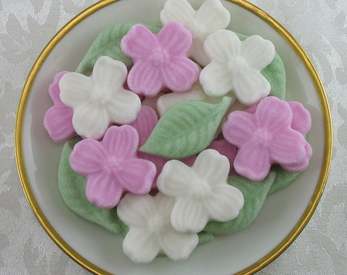 27 Pink & White Dogwood Blossom and Leaf Shaped Sugar Cubes