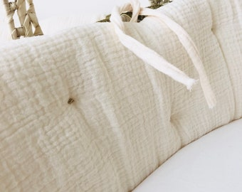 Cream cotton gauze bumper for baby bed