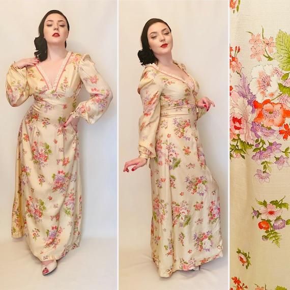 Vintage dress. Size 12, floral dress. Maxi dress.