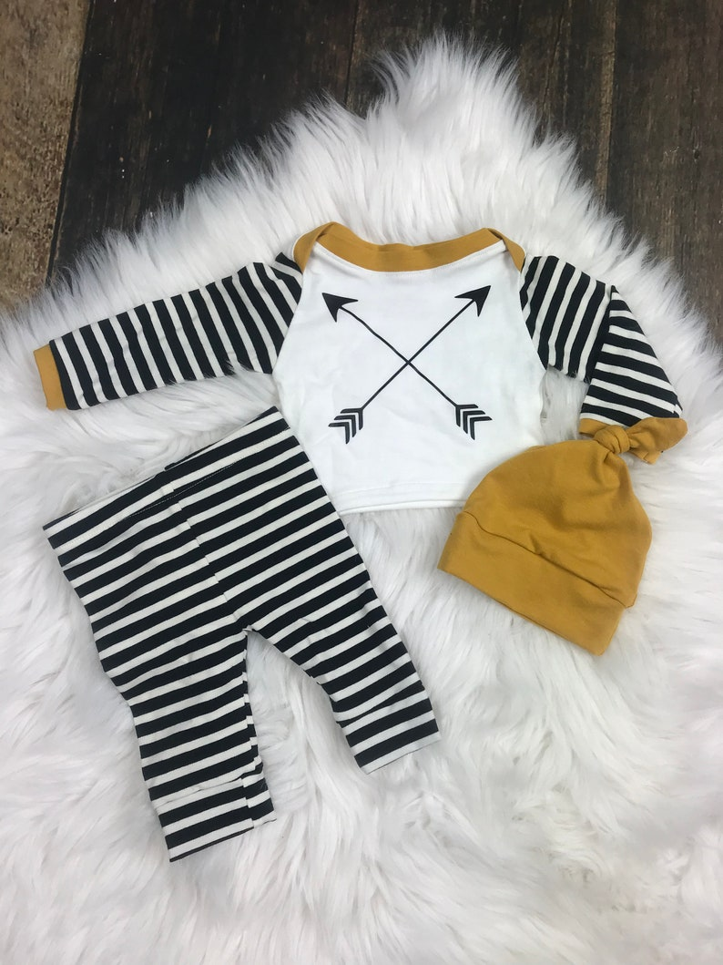 Newborn Boy Newborn Coming Home Outfit Baby Outfit in Black arrowstripe Gender Neutral premie baby clothing Newborn Girl