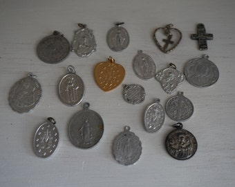 FREE SHIPPING, Vintage, Set of Eighteen Rosary Medals
