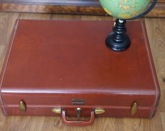 Vintage, Hard Leather Samsonite Suitcase with Key