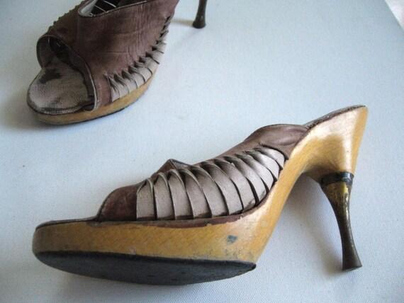 Vintage shoes 1970s/steel heel wooden sole shoes v