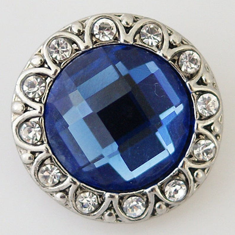 CZ Flower Blue Faceted Center Stone w CZ Stones ~ Snap It SKB8649  Noosa Chunk Snap