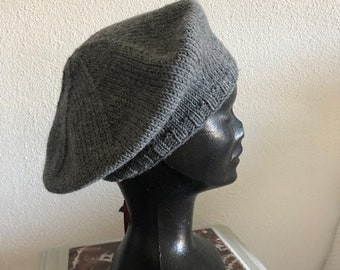 Beret woman girl in pure dark gray merino wool