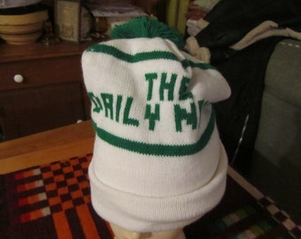 27b3ff171a4 vtg mid century ski beanie white green The Dailey News newspaper carrier hat  free ship white green pom top free ship