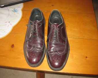 Vtg burgundy wingtip cat paw soles great vtg shape sz 11 great color