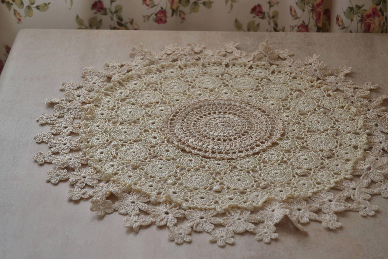 Grand Napperon Au Crochet concernant grand napperon en décoration de table au crochet napperon