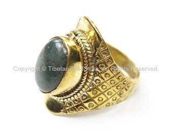 Tibetan Ring with Agate Inlay (SIZE 7.25) Nepal Ring Tibetan Ring Ethnic Ring Tribal Ring Boho Ring Handmade Ring TibetanBeadStore R209-7.25