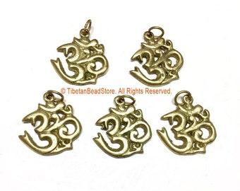 5 PENDANTS Sanskrit Om Brass Charm Pendants - Nepal Tibetan Brass Om Aum Ohm Mantra Charms - Ethnic Nepal Tibetan Yoga Jewelry - WM3770B-5