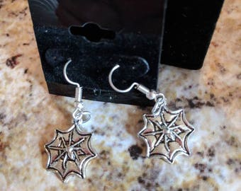 Dangle earrings - silver spiderwebs
