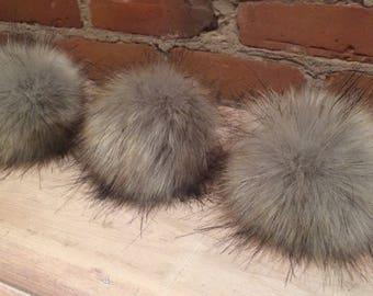 Faux Grey Pom, Faux Fur Pom Pom, Faux Wolf Pom, 5 Inch, Fur Ball, Removable Hat Pom, Grey Pom Pom, Faux Bobble, Knit Hat, Detachable by Loop