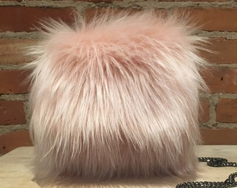 Faux Fur Purse, Pink Fur Purse, Faux Lamb Fur, Fun Fur Purse, Handmade Handbag, Peach Pink Fur, Fluffy Purse, Crossbody Purse, Over Shoulder