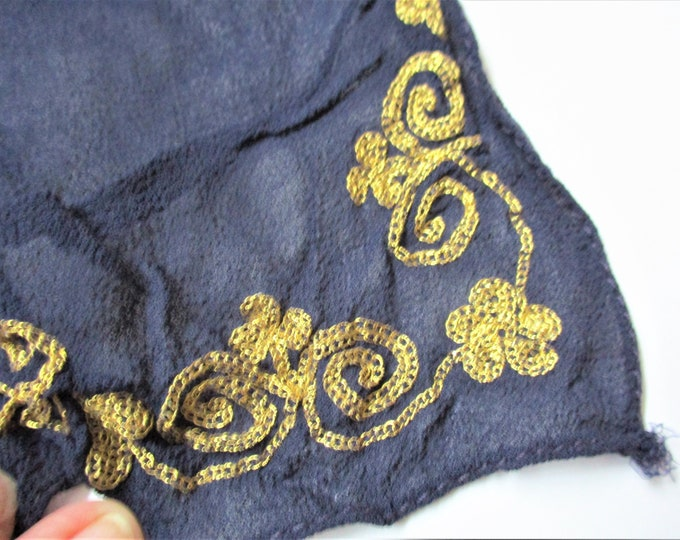 SCARVES SHAWLS STOLES