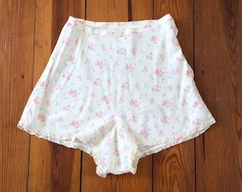 30s Floral Rayon Tap Pants / 1930s Vintage Shorts / Medium / 27 inch waist