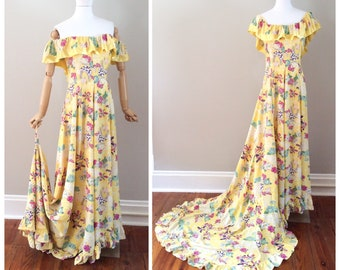 40s Yellow Cold Rayon Hawaiian Print Dress / 1940s Vintage Wedding Gown with Train / Small / Size 4