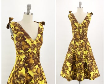 93c1f7acfe4 50s Yellow Hawaiian Print Cotton Dress   1950s Vintage Hawaiian Sun Summer  Day Dress   Medium   Size 10