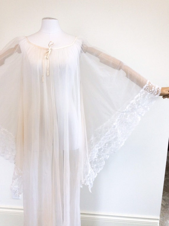 50 DOLLAR SALE /// 60s Peachy White Chiffon & Lac… - image 8