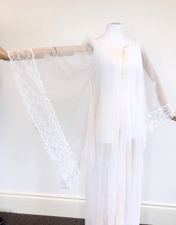 50 DOLLAR SALE /// 60s Peachy White Chiffon & Lac… - image 4