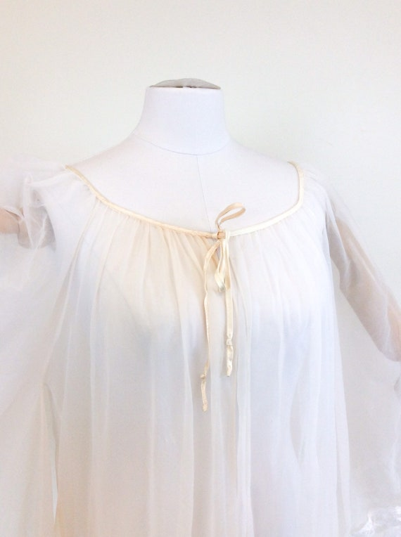 50 DOLLAR SALE /// 60s Peachy White Chiffon & Lac… - image 9