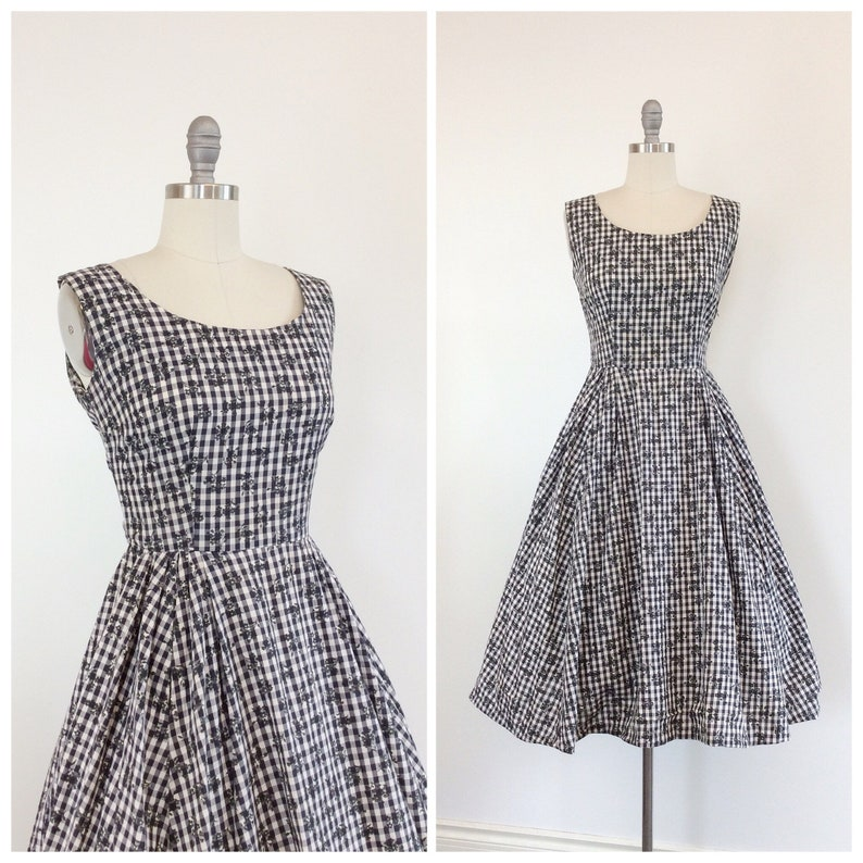 a5329eef01c 50s White   Navy Checkered Cotton Dress   1950s Vintage Floral
