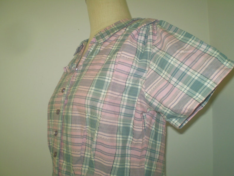 Vintage Handmade Pink Plaid shirtwaist dress from 1960s Midcentury Cottagecore pink and gray dress front button cotton dress Size M-L
