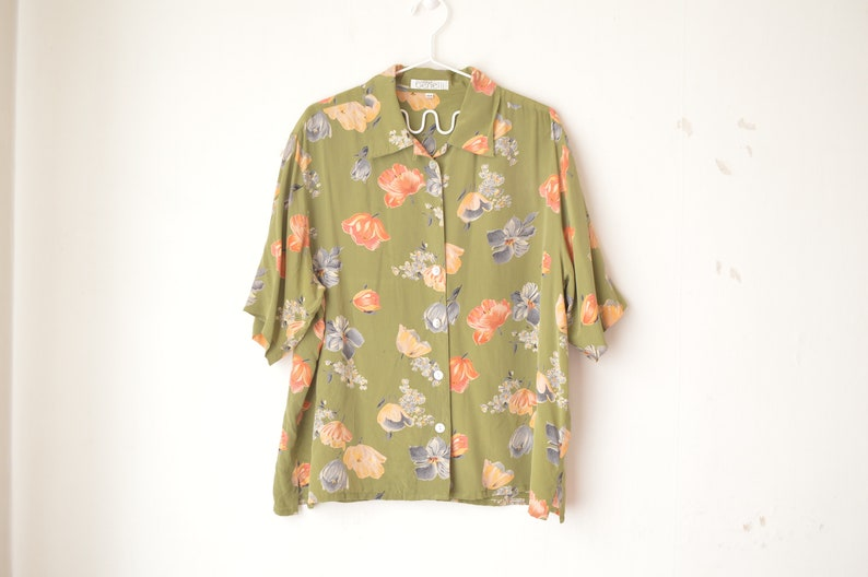 dusty green silk floral button down oversized granny shirt blouse 70s  L