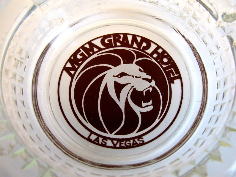 Vintage Ashtray MGM Roaring Lion Grand Casino souvenir ashtray clear glass  Lion logo in center