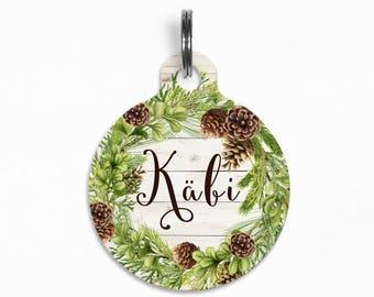 "Pet ID Tag | ""Käbi"" - Winter Evergreen Pine Cone Wreath"
