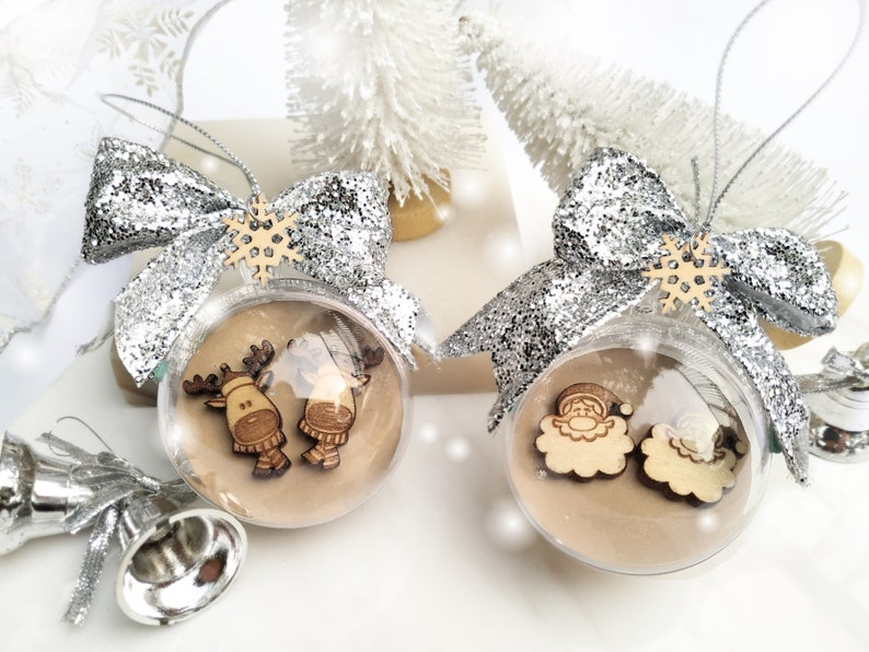 Silver Bow Clear Christmas Bauble gift wrap for Wooden image 0