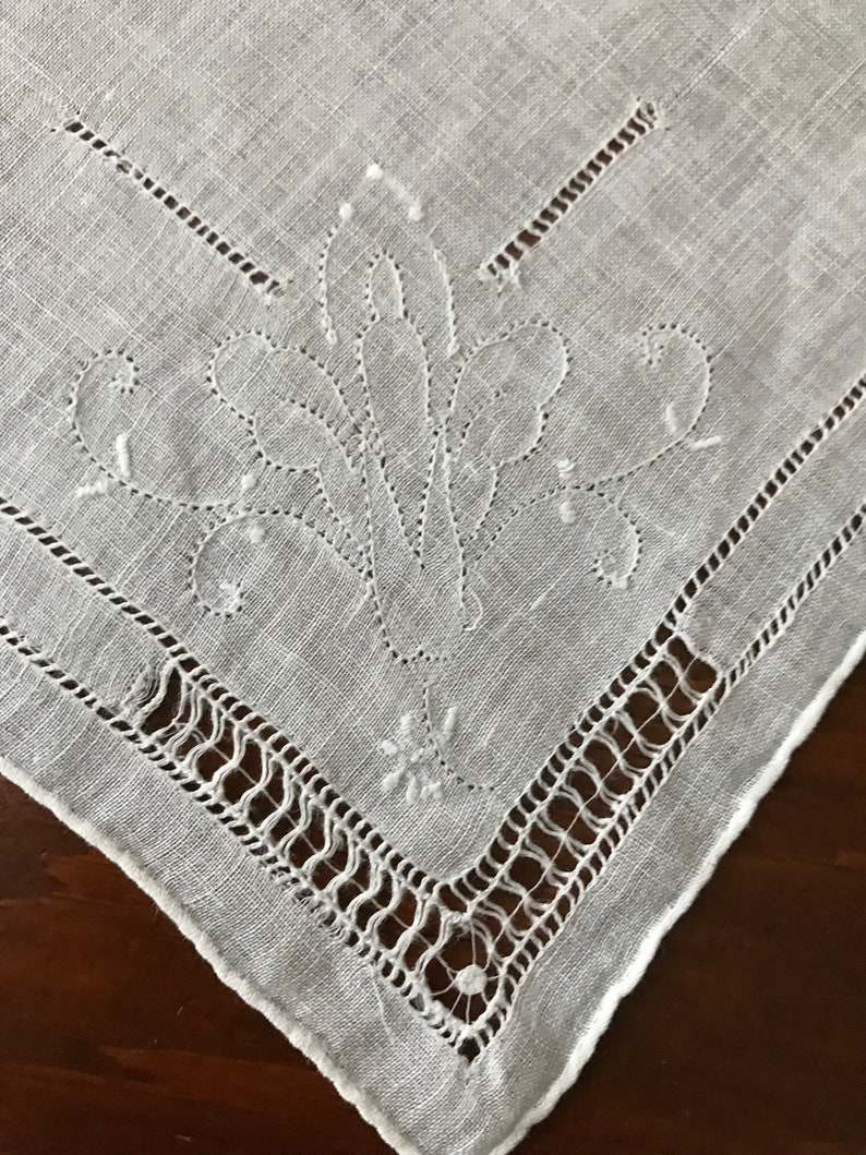 White Vintage Handkerchief Lovely Hand Needlework 11 Excellent Condition Wedding Brides Bridal Shower Bridesmaid Gift 2 or more /& Ship FREE