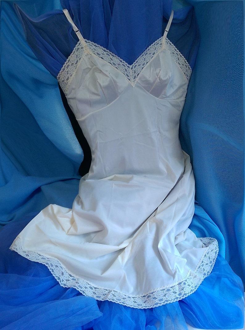 ba884403c Vintage Vanity Fair Full Dress Slip Off White Bridal
