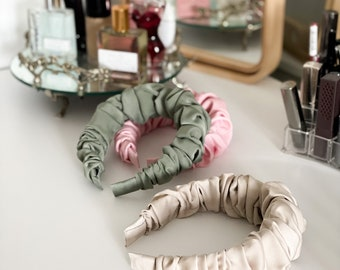 The scrunchy headband, sage green headband