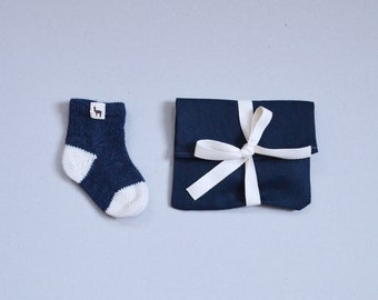 Newborn socks in 100% baby alpaca wool baby knitted socks blue white knit socks for girl boy baby shower gift